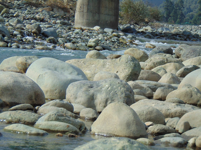 river in pehalgam