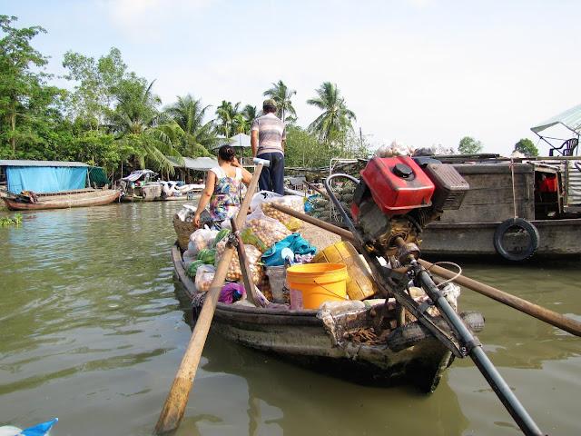 fruit phong dien floating market mekong delta vietnam