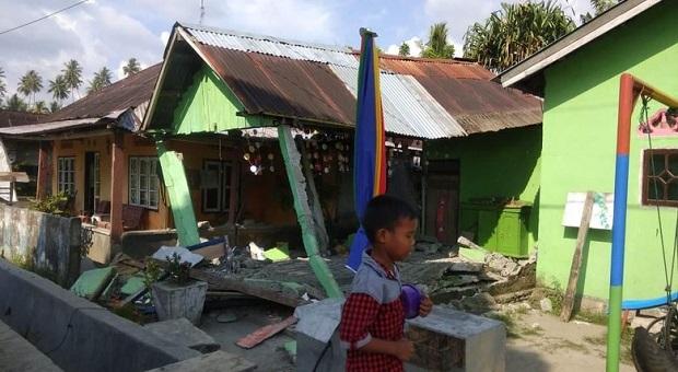 Donggala Dilanda Gempa Berkekuatan 7,7 SR
