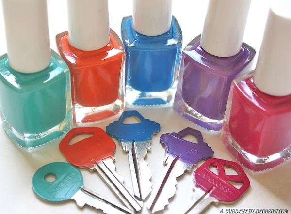 chaves pintadas com esmalte