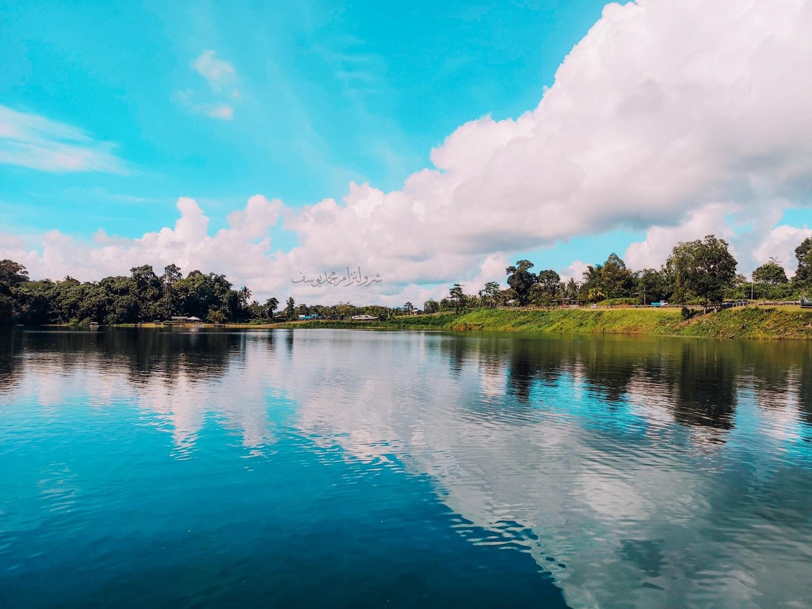 Tasik Biru Bau, Sarawak - tenang