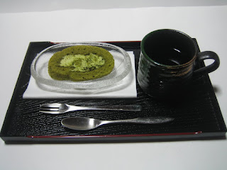 抹茶ロールと珈琲