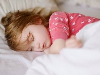 Melatih Anak Berani Tidur Sendiri