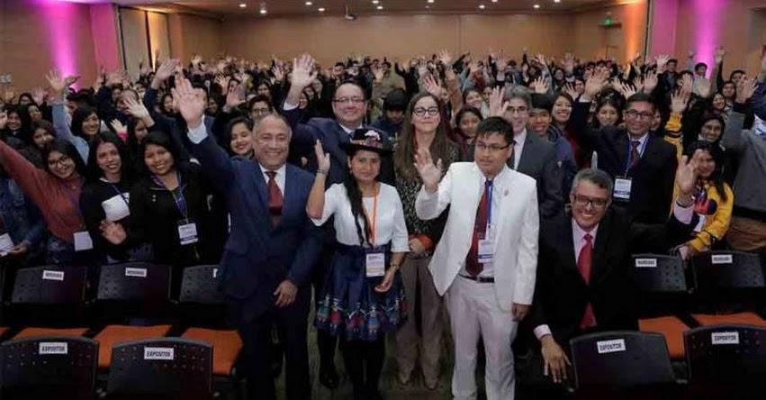 PRONABEC: Cientos de talentos becados por el Estado se reúnen con autoridades y empresarios - www.pronabec.gob.pe