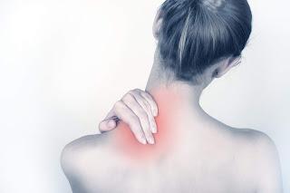 Que faire pour soulager la douleur au cou
