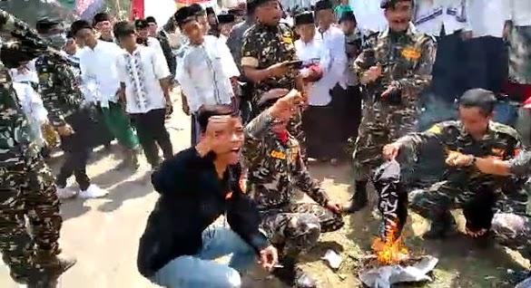 Beda Reaksi Muhammadiyah, NU, FPI dan MUI Soal Pembakaran Bendera Tauhid