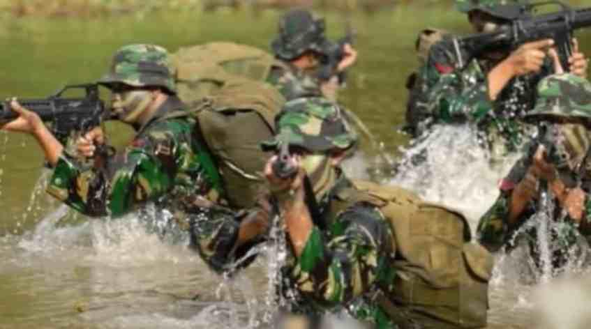 Gambar senapan pasukan TNI Indonesia