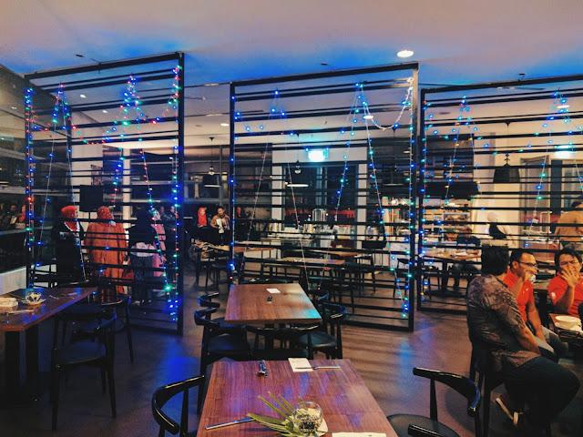 Tempat makan yang luas dan selesa