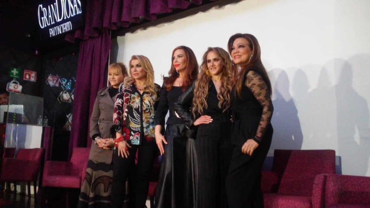 0e170cebd027 Ayer en conferencia de prensa el Productor Hugo Mejuto presentó nuevamente  un espectáculo que muchos les encanta ver y que reúne a sus estrellas  Manoella ...