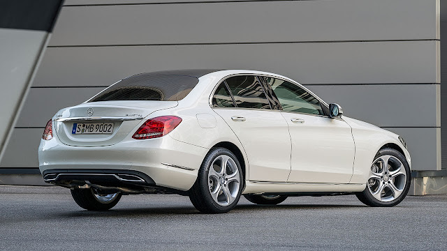 Mercedes-Benz C-Class rear side