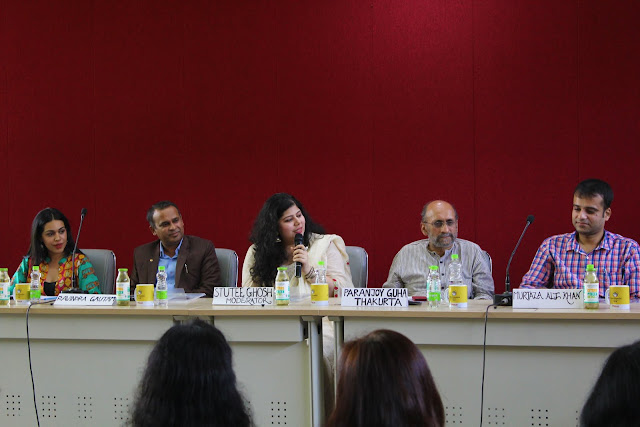 A panel discussion on the changing trends in film journalism at Juxtapose '18 at Lady Shri Ram College, with  Stutee Ghosh and Paranjoy Guha Thakurta