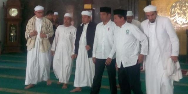 Istana Sebut Persaudaraan Alumni 212 Minta Pak Jokowi Untuk Sp Tiga Kasus Habib Rizieq Dan Kawan Kawan