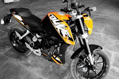Fixing leaking fork seal on KTM Duke 200 and KTM RC200 RC390