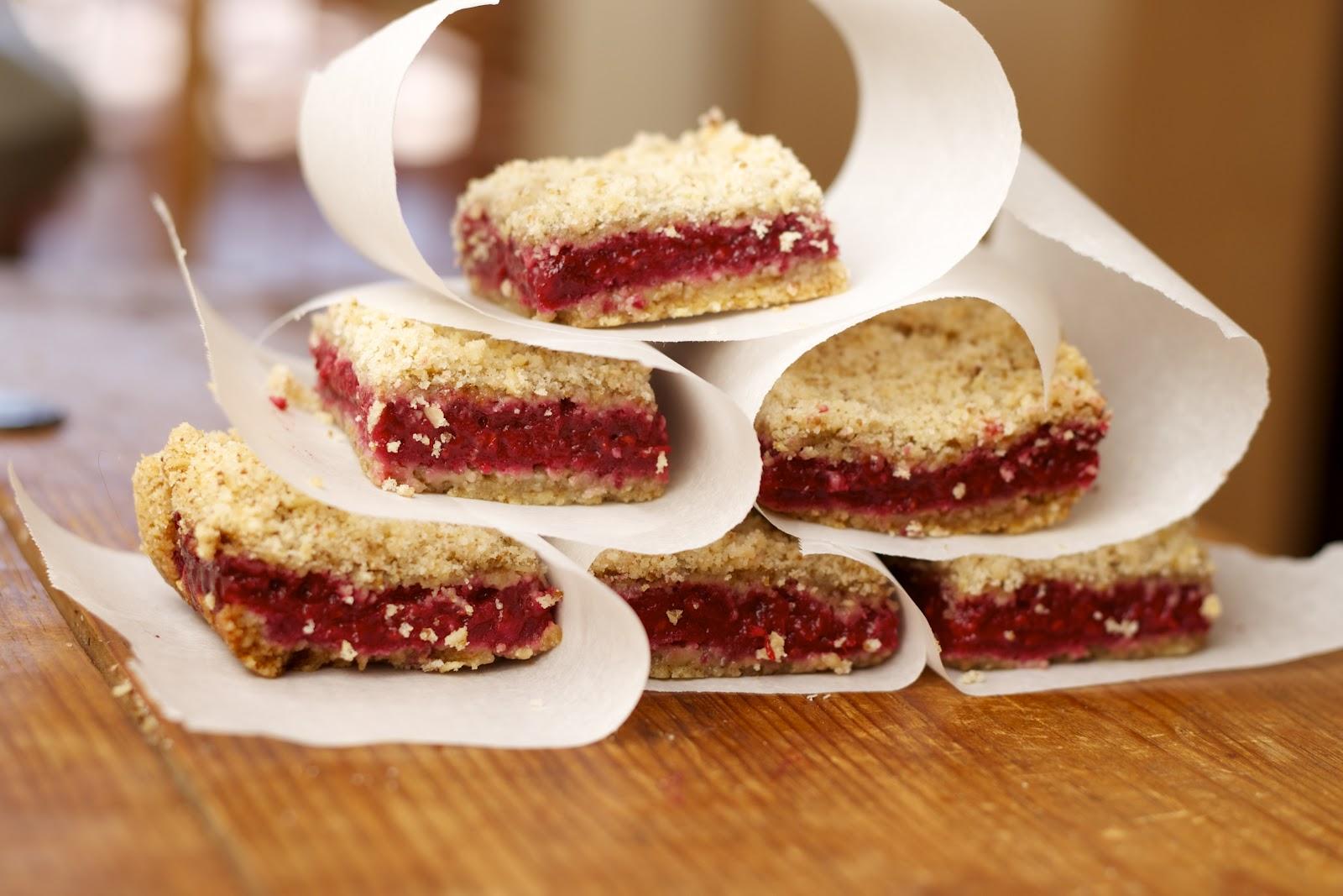 CosmoCookie: Raspberry Crumb Bars and Taliesin West