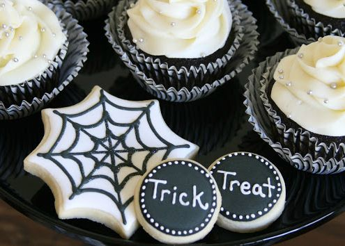 DIY Black White Halloween Desserts