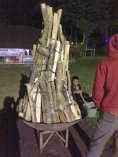 Persiapan Api unggun maba nusaputra 2018