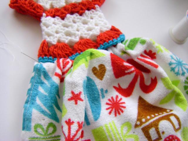 Sew Ritzytitzy Dressy Towel Topper Tutorial
