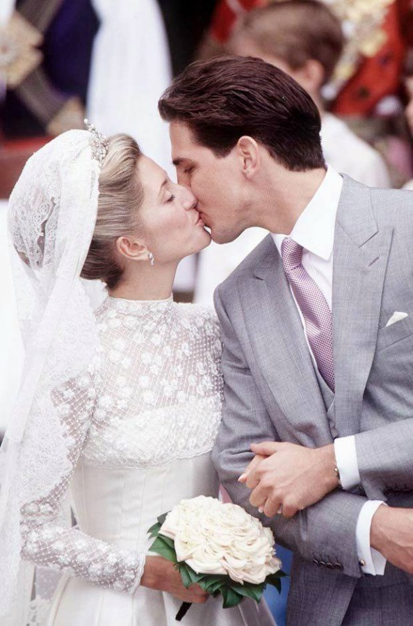 Bongodaily: FASHION CORNER: Most Beautiful Wedding Gowns of all Times