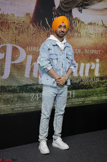 Anushka Sharma with Diljit Dosanjh at Press Meet For Their Movie Phillauri 009.JPG