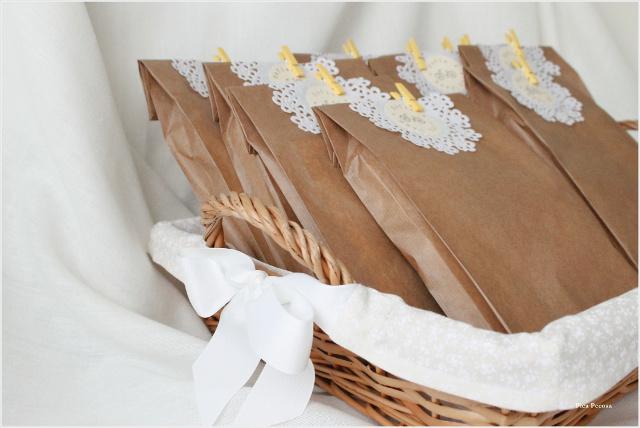 como-hacer-sobres-papel-diy-envolver-regalos-primera-comunion-paso-8
