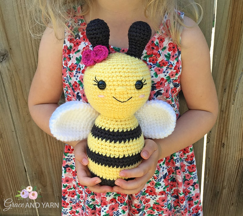 Amigurumi Little Bee Free Pattern in 2020 | 710x800
