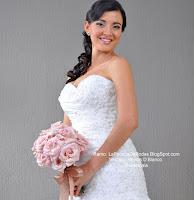 Floristeria venta y cotización de Ramo de novia en  rosas rosado palido vintage con liston rosado. Boda en Antigua guatemala
