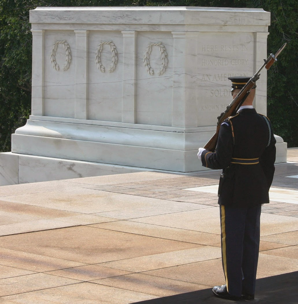 Tomb of the Unkown Soldier. Source: http://upload.wikimedia.org/wikipedia/commons/a/a6/Tomb_of_the_Unknown_Soldier_8.jpg