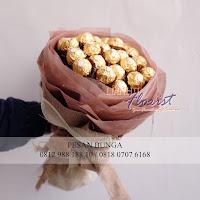 buket bunga ferrero rocher, bouquet bunga cokelat, bunga mawar valentine, handbouquet mawar, buket rose, toko bunga, florist jakarta