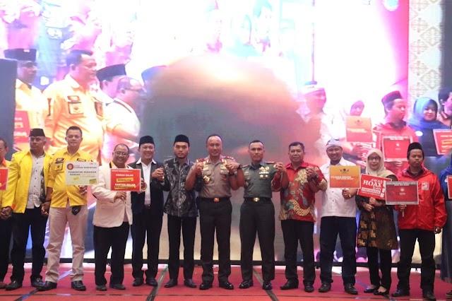 Kapolda Jabar Hadiri Deklarasi Damai Pemilu Tahun 2019 Di Karawang