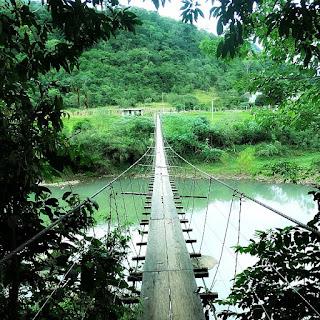 Ponte Pênsil junto à Estrada de Pedra de Candelária (RS)