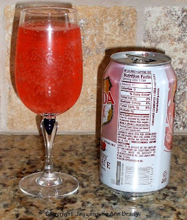 Canada Dry Diet Cranberry Ginger Ale can and drink