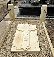 Odnowiony nagrobek na cmentarzu w Opinogórze Górnej