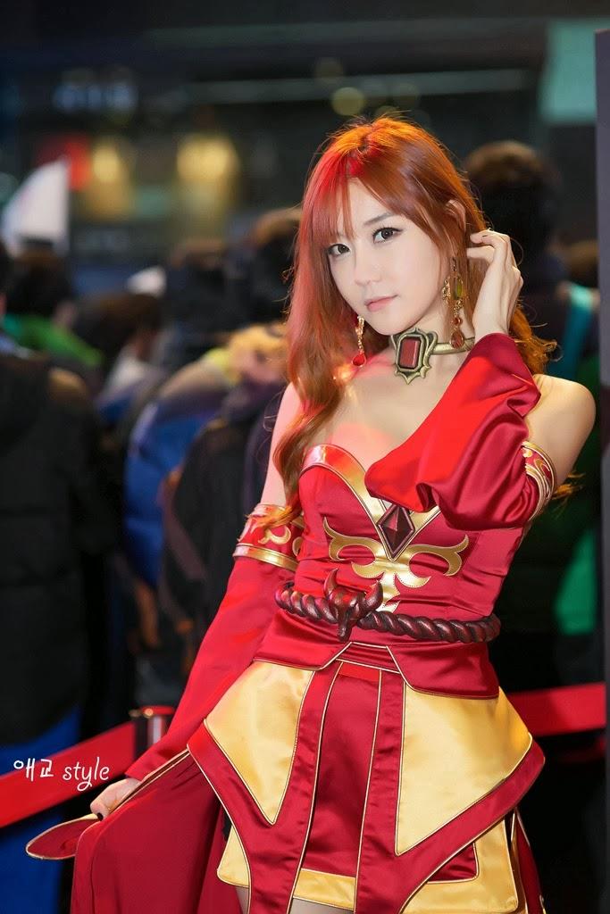 Beru812 Dota 2 Cosplay Lina GSTAR 2013 Choi Seul KiQueen Of Pain Dota 1