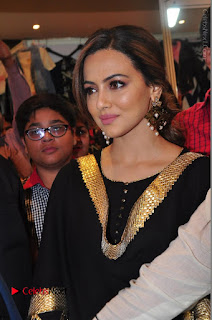 Bollywood Actress Sana Khan Launches Aakrithi Exibition  0087.JPG
