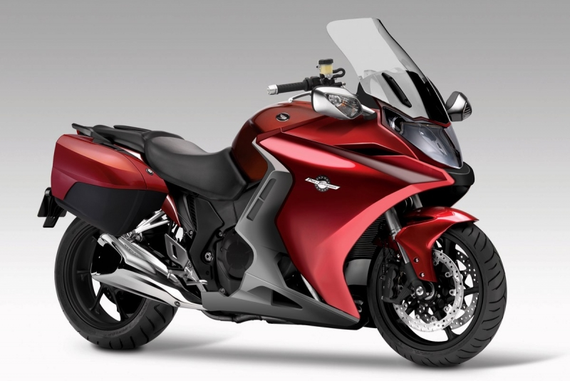 super great sportbikes for sale honda st1300 2013 brand new. Black Bedroom Furniture Sets. Home Design Ideas