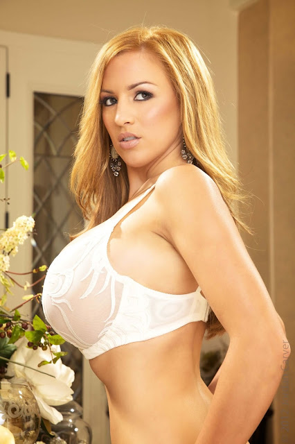 Jordan-Carver-Peitho-half-nude-hot-and-sexy-hd-photoshoot-image-2