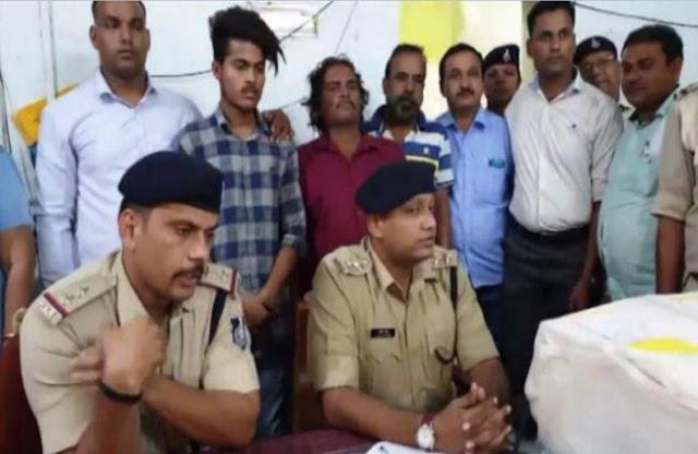 asha-news- khandwa news-Color-printer-busted-for-printing-fake-currency-worth-200-rupees-3-arrested-khandwa-madhya-pradesh-कलर प्रिंटर से 200 रुपए के नकली नोट छापने वाले गिरोह का पर्दाफाश, 3 गिरफ्तार