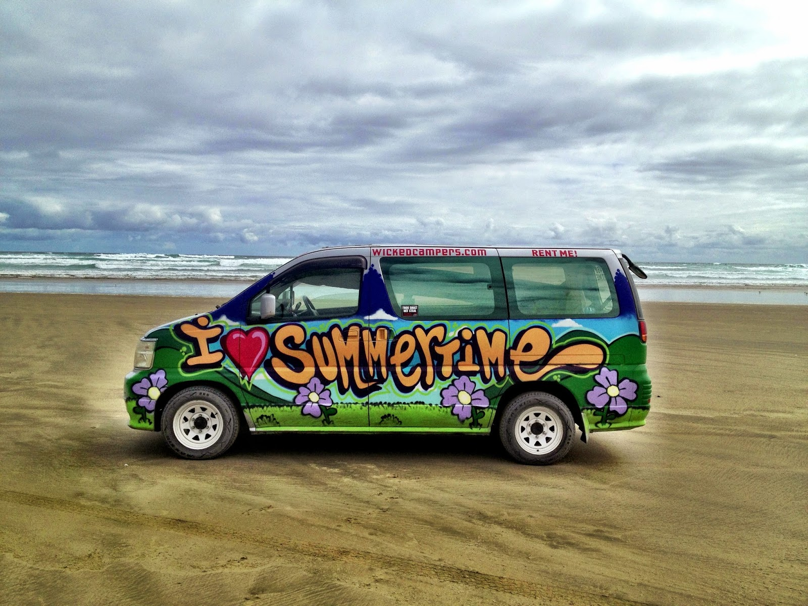 Wicked campervan on 90-Mile Beach - New Zealand