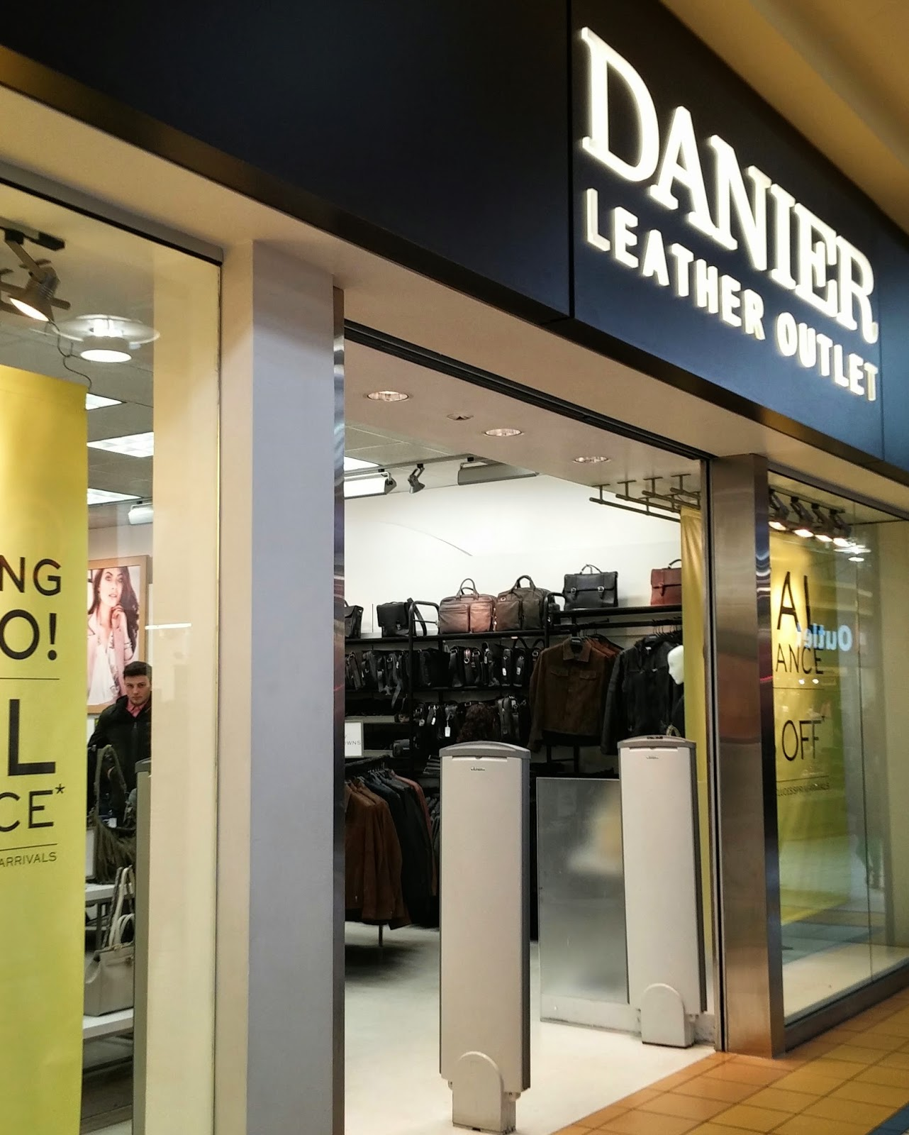 Danier Leather Dixie Outlet Mall