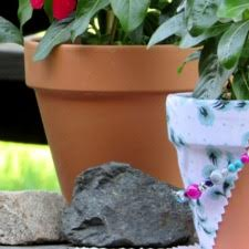 DIY, clay pots, decorating pots, garden pots, projects