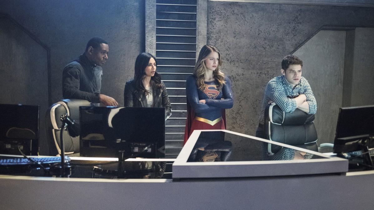 J'onn, Maggie, Supergirl y Winn preocupados por el secuestro de Alex en el DEO