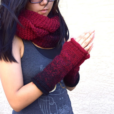 https://www.etsy.com/listing/547659365/knit-cowl-and-fingerless-gloves-dark-red?ref=shop_home_active_2