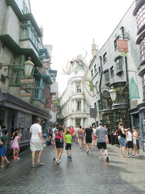 street in harry potty park universal overlooking the dragon
