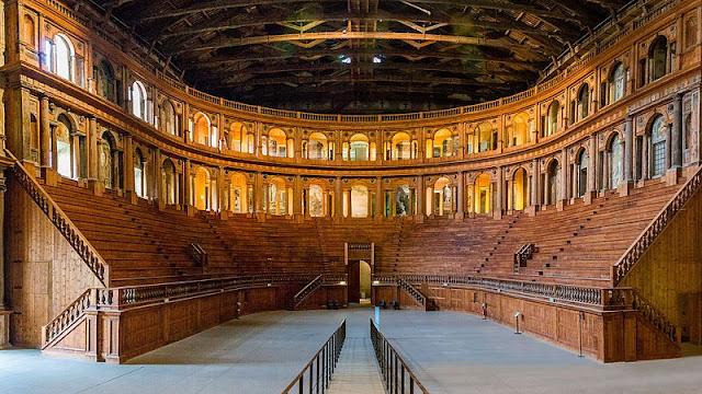 O que fazer em um dia em Parma? Teatro Farnese