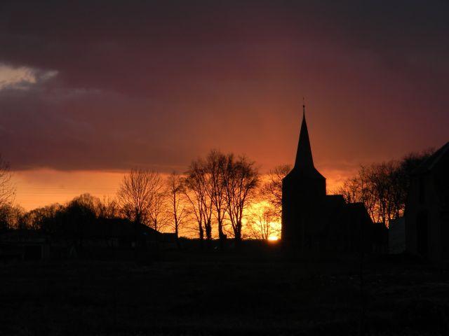 zachód słońca, świątynia, drewniany kościół, wieczór