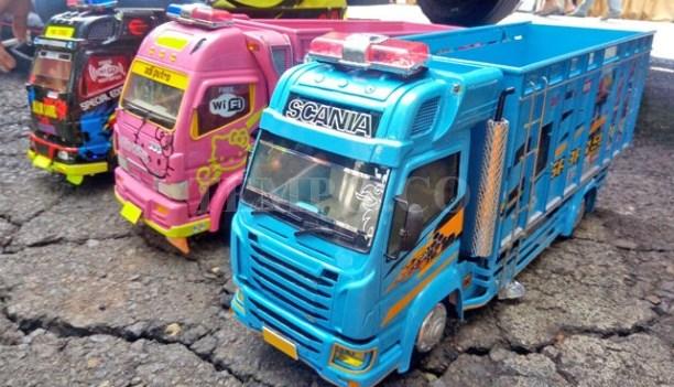 kumpulan miniatur truk malang raya