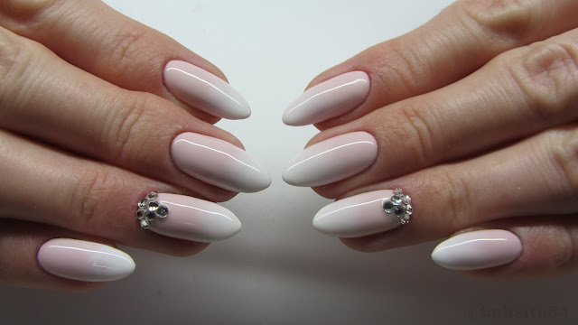 Baseveheinails Babyboomer Nails Cieniowany French Madam Glam