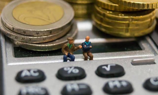 Ποιες κατηγορίες συνταξιούχων που εργάζονται θα υποστούν «μαχαίρι» 60%; Αναλυτικά παραδείγματα