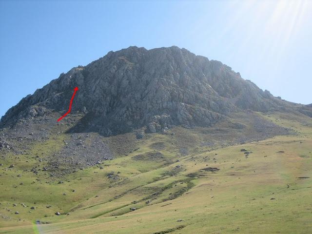 Rutas Montaña Asturias: Inicio de la subida normal a Peña Ubiña Pequeña