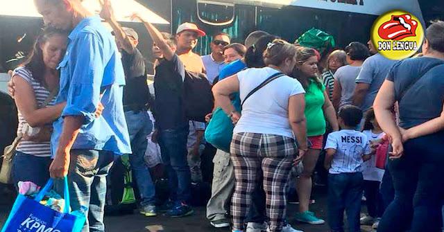5 delincuentes atracaron a 50 pasajeros de un autobús y los dejaron sin ropa toda la noche